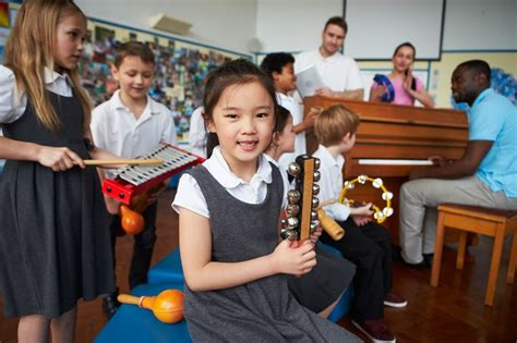 Find the perfect toddler music class stock photos and editorial news pictures from getty images. The benefits of music lessons in schools | SchoolNews - New Zealand