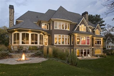 Beautiful Home - FaveThing.com