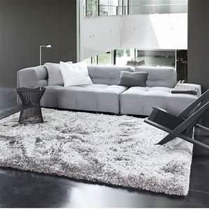les tapis gris nouvelle tendance du moment With tapis de course avec plaid luxe pour canapé