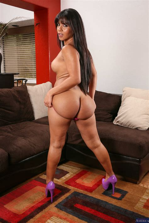 Hot Latina Is Getting Completely Naked Photos Rose Monroe