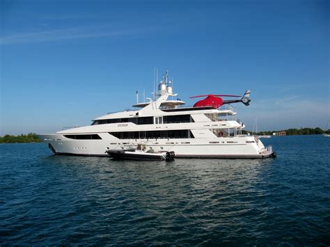 Gravy Boat Yacht by Bebelize Belize It Or Not Em In Belize