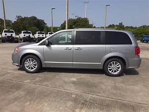 New 2020 Dodge Grand Caravan Sxt Passenger Van In Vero