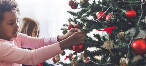 Easy Christmas Decorations You Can Make As A Family