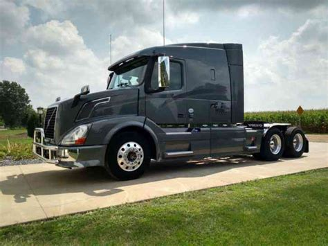 volvo 2013 truck volvo vnl64t630 2013 sleeper semi trucks