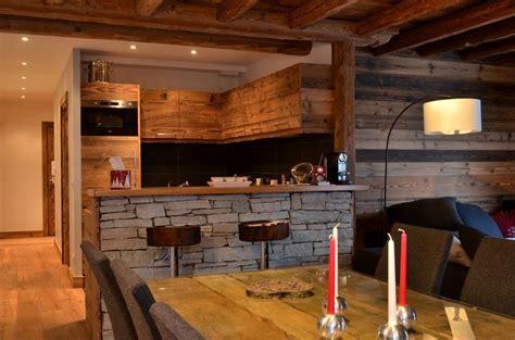 cuisine et salon moderne modern chalet interior design cosy neve design