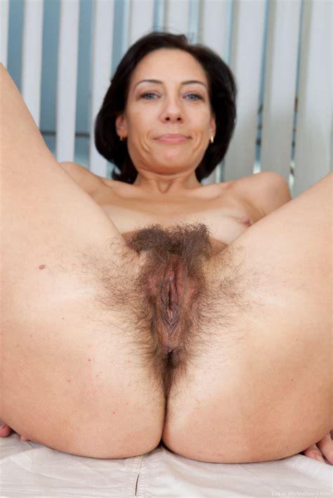 Hairy pussy @ HD Tube 1