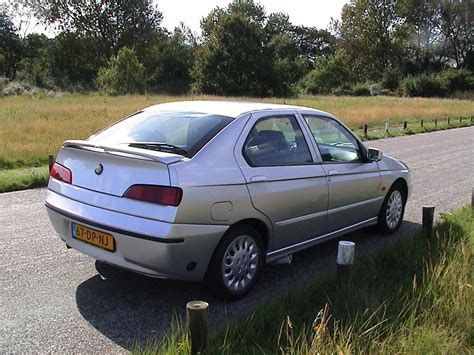 Alfa Romeo 146 19 Jtd Photos And Comments Wwwpicautoscom