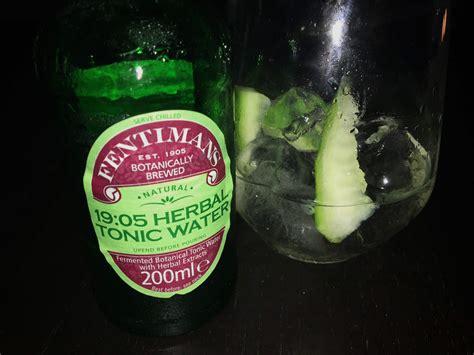 gin tonic mit gurke fentimans 19 05 herbal tonic water im test