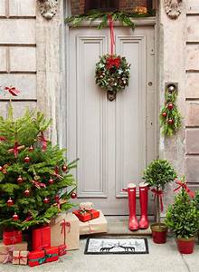 41, Cool, And, Classy, Christmas, Door, Decoration, Ideas
