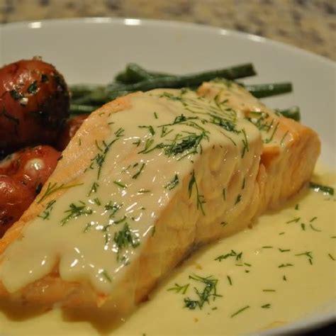 cuisiner pavé de saumon poele saumon poêlé à la sauce beurre citron marmite du monde