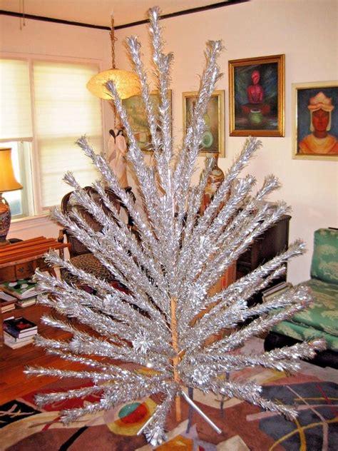 evergleam aluminum trees evergleam aluminum tree 7 100 branches original color wheel vtg ebay