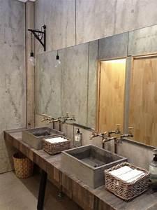 Waschbecken Arbeitsplatte Bad : zur ckgewonnenes holz arbeitsplatte mit betonsp len und k rben cement please pinterest ~ Markanthonyermac.com Haus und Dekorationen