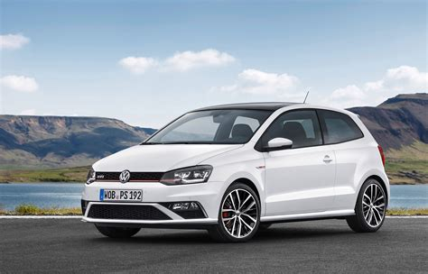 volkswagen polo wallpapers images  pictures backgrounds