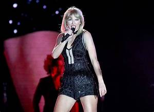 Taylor Swift performs This Is What You Came For at F1 US ...