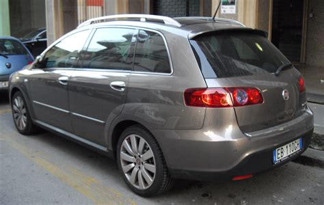 Fiat Croma 20 2004 Auto Images And Specification