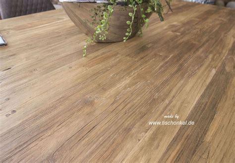 Tisch Aus Recyceltem Holz by Esstisch Aus Recyceltem Holz Mit Rohstahl Der Tischonkel