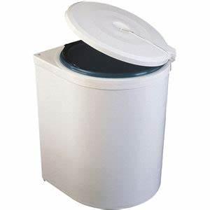 Meuble Poubelle Cuisine : poubelles de porte pour meuble de cuisine bricotoo ~ Dallasstarsshop.com Idées de Décoration