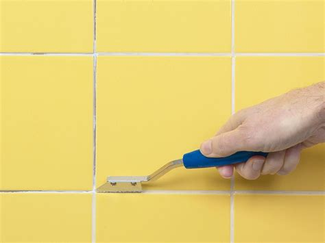 Regrout Floor Tiles Bathroom by How To Fix Broken Wall Tile And How To Regrout How Tos Diy