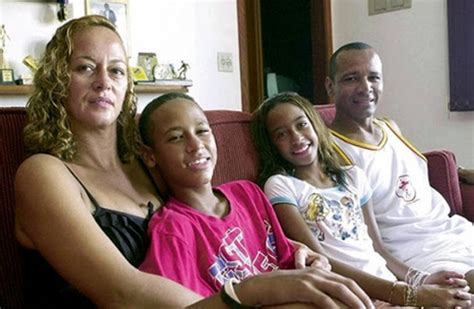 neymar jr family tree father mother  son  pictures