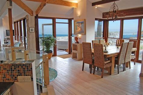 beach house cornwall  catering cottage  hen parties