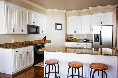 divas diy   paint kitchen cabinets