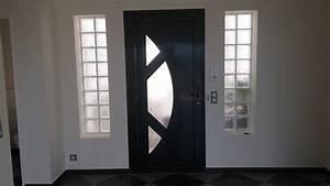 Porte Entrée Aluminium Rénovation : mise en place d 39 une porte d 39 entr e aluminium contemporaine ~ Edinachiropracticcenter.com Idées de Décoration