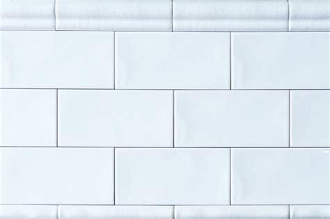 Fliesen Bordüre Weiß by Metro Fliese Wei 223 Gewellt 7 5x15 Diefliesen