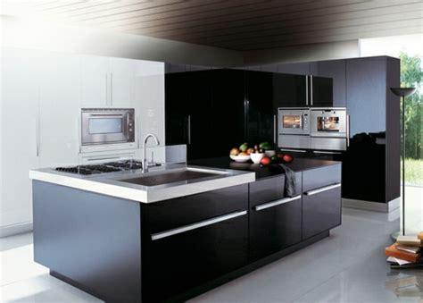 cuisine design italienne avec ilot idée cuisine avec îlot perspective mouvement lumière