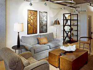 Decorating with floor and table lamps hgtv for Table lamp next to tv