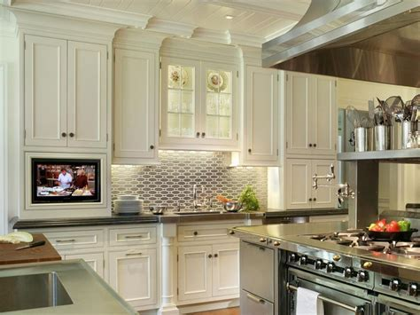 Tall White Kitchen Cabinets Design Inspiration ? The