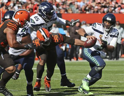 seahawks beat browns build character   find
