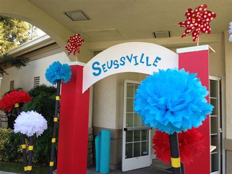 Dr Suess Decorations - 1000 ideas about 5th grade graduation on 5th