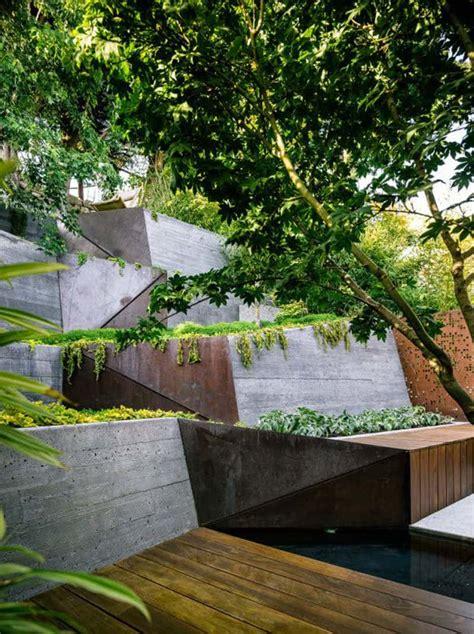 Sloped Backyard Landscaping Ideas by Amazing Ideas To Plan A Sloped Backyard That You Should