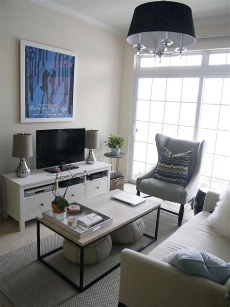 18 Pictures With Ideas For The Layout Of Small Living Rooms