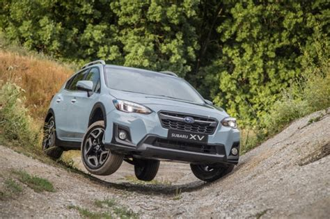 subaru xv crosstrek suv review  suv price