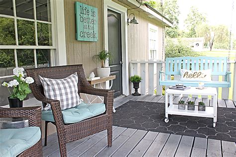 Five Tips For Outdoor Decorating