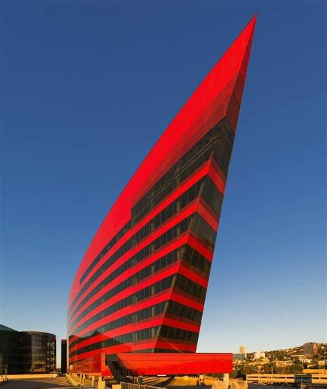 45 Famous Buildings In The World With Unconventional