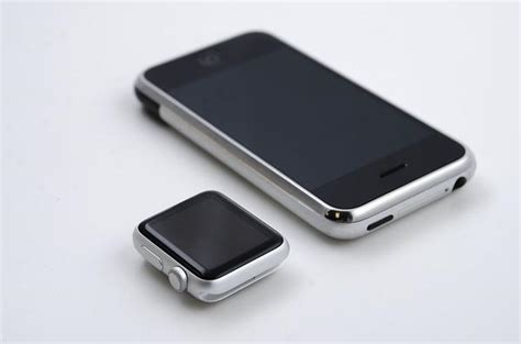 next apple iphone original iphone next to apple iphone