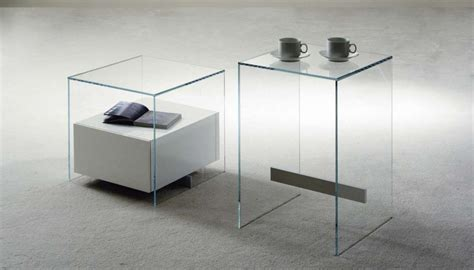 comodini in cristallo comodini in vetro comodino e legno mondo convenienza