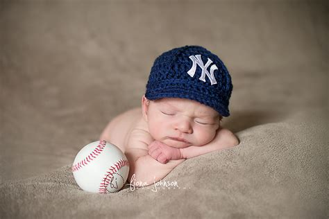 Ny Yankees Baby Ny Yankee Fan Baby Ct Newborn Photographer
