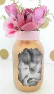 cadeau pour la fete des meres a fabriquer fashion designs With chambre bébé design avec bouquet de fleurs noires