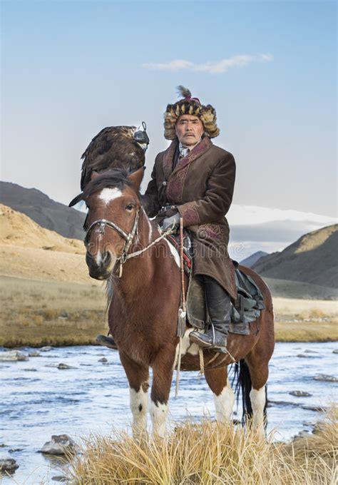 mongolian nomad hunter horse eagle mongolia nomadic october altai preview landscape