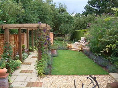 garden designs  long gardens  idea backyard