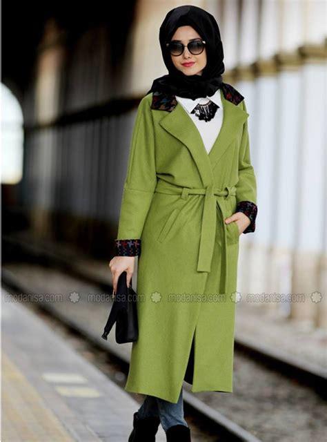 voici les dernieres tendances de tenue hijab chic
