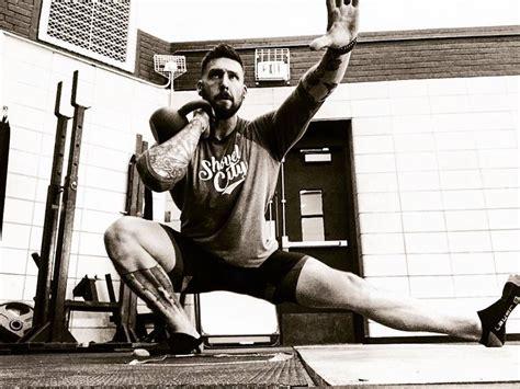 kettlebell muscle training gain breakingmuscle