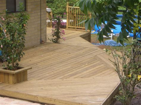 Cleaning Deck With Solution by Wood Decks Cleaning Solution Wooden Decks