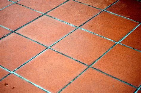 Kitchen Floor Tile Pattern Ideas - overview of terracotta floor tiles