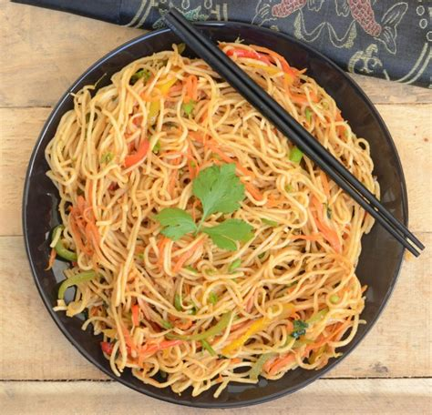 Chinese Hakka Noodles Recipe, How To Make Chinese Hakka