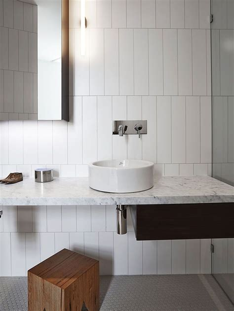 Modern Bathroom Tile Layout by 37 White Rectangular Bathroom Tiles Ideas And Pictures