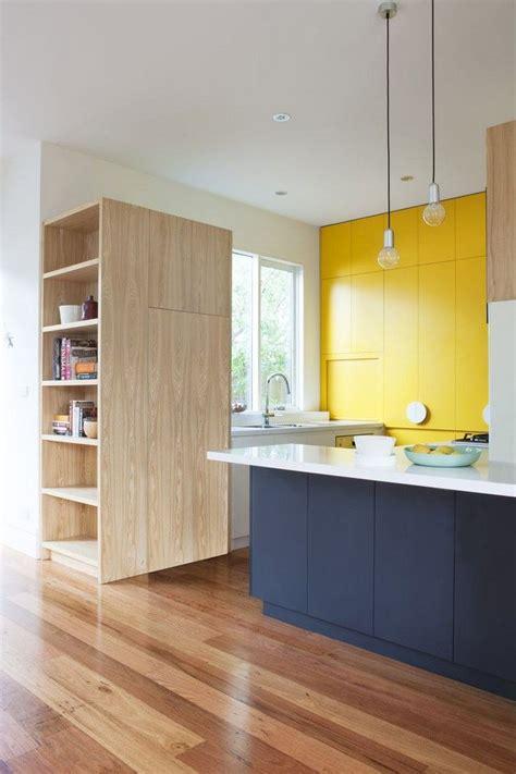 cuisine brun et blanc cuisine armoire chambre grand format